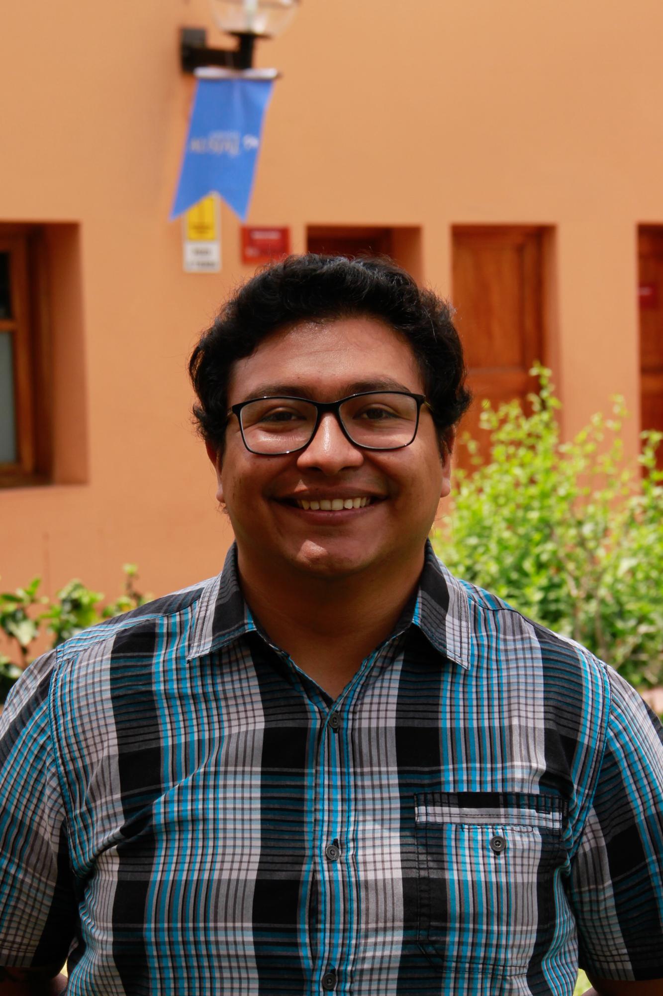 Ramiro Loza , SJ